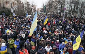 Ukraina: Opozycja blokuje siedz. Janukowycza