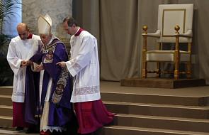 Burzliwe oklaski - Rzym dziękuje Papieżowi