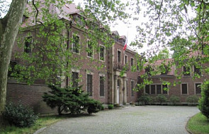NIE sprzedaży siedziby konsulatu RP w Kolonii