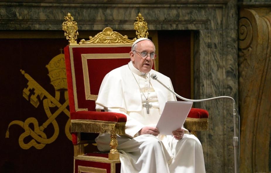 Nie ma decyzji ws. herbu i zawołania Papieża