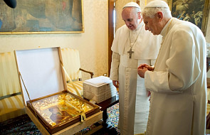 Papież podarował Benedyktowi XVI ikonę