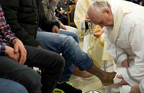 Umycie nóg znakiem gotowości, by służyć - Msza św. Wieczerzy Pańskiej