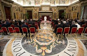 Kard. Dziwisz i Barroso przyjęci przez papieża