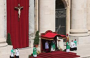 Franciszek: zbawia nas jedynie wiara w Boga