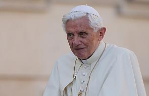 Benedykt XVI wiedzie życie mnicha