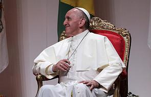 """""""SZ"""": Papiestwo ma służyć ludziom"""