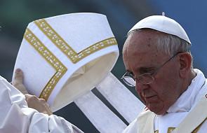 Papież do biskupów: Kościół ma służyć!