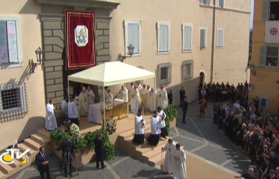Papież: Maryja wspiera nas w walce ze złem