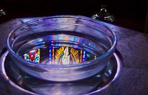 Francja: Parafia nie musi wykreślać apostaty