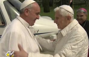 Ks. Lombardi o relacjach dwóch papieży