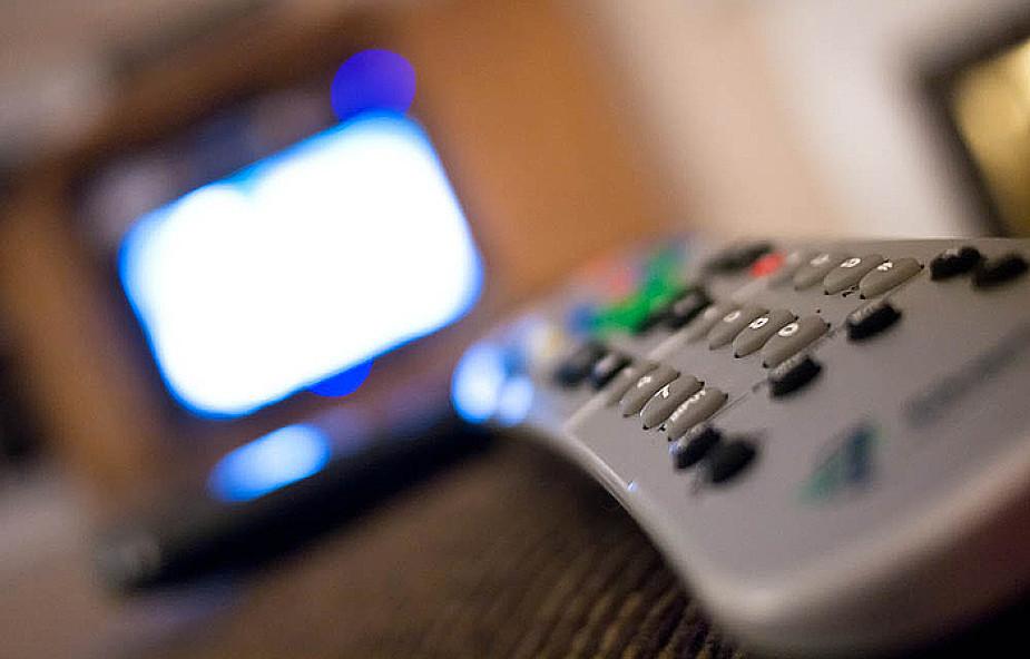 Wyłącz telewizor w czasie posiłku z rodziną
