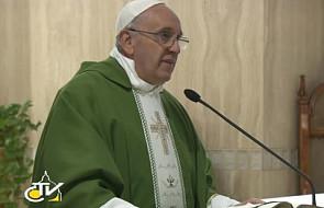 Papież: obmawianie innych i plotkowanie zabija