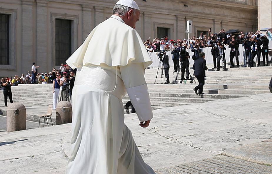Pusty apartament papieski będzie salą obrad