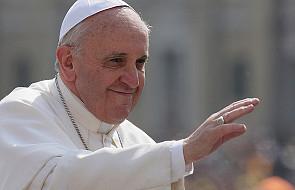 Papież: praca daje godność i uczy miłować