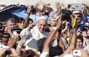 Ks. Bergoglio pomagał prześladowanym