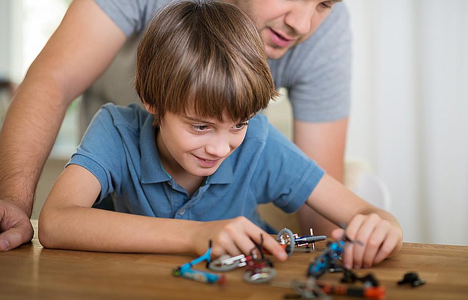 Dlaczego ojciec mówi do dziecka: Radź sobie sam!
