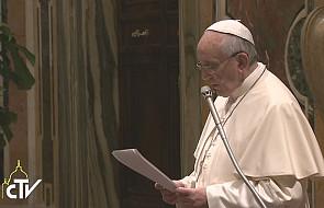 W czym modlitwa pomaga kobiecie wg papieża