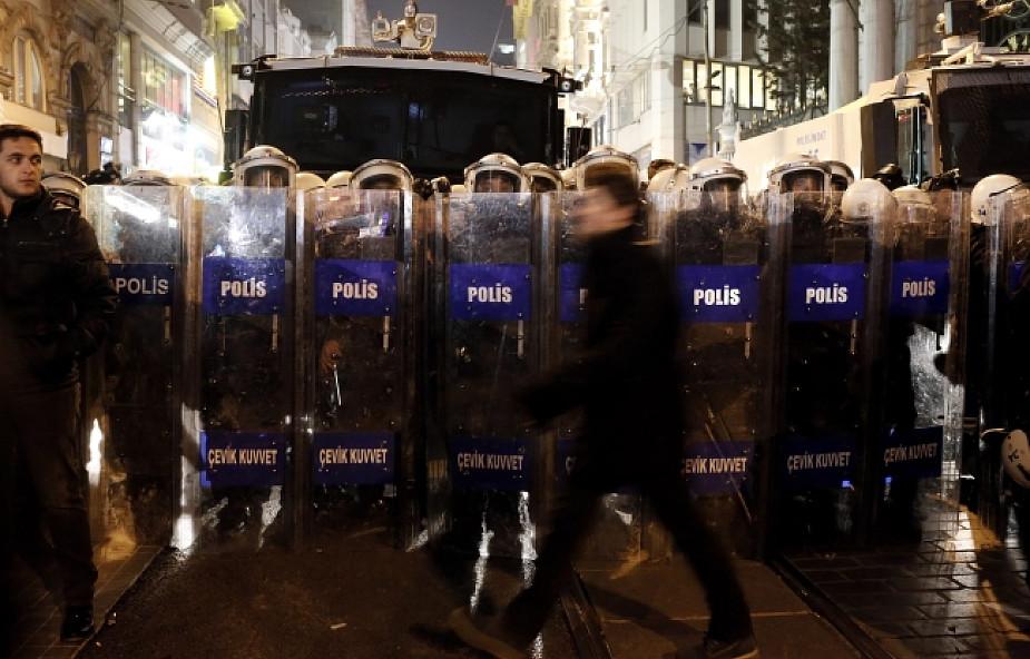 Turcja: dalszy ciąg czystek w policji