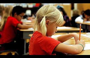 Zarobki nauczycieli rosną. Ale nie w Polsce