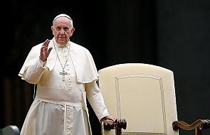 """Papież: """"módlmy się dla Synodu o dar słuchania"""""""