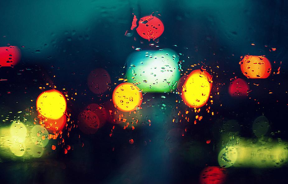Jesienna chandra czy depresja? [WYWIAD]