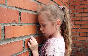 Adopcja i choroba sieroca. Jak pomóc?
