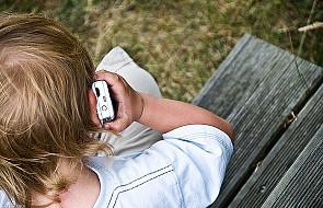 Telefon zaufania dla dzieci dzwoni też w Wigilię