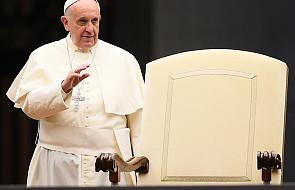 Papież: Nie zmuszajcie kobiet do ciężkiej pracy!