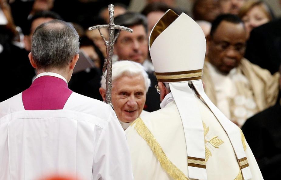 Pierwszy konsystorz z udziałem dwóch papieży