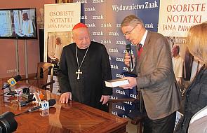 Kard. Dziwisz i Joaquín Navarro-Valls o  JPII
