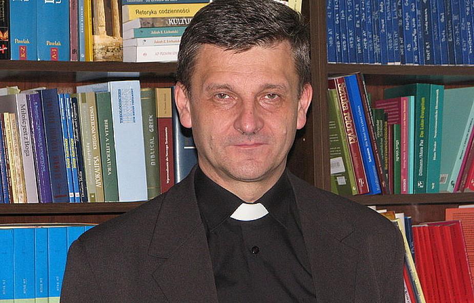 Bp Pindel gratuluje ewangelickiemu koledze