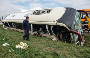Wypadek szwedzkiego autokaru na A4