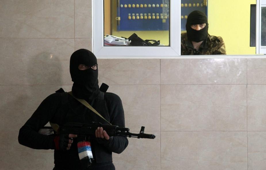 Media: separatyści uwolnili dwóch zakładników