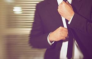 Jak zawiązać krawat? Nic prostszego!