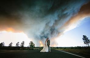 Zobacz, jak wygląda ślub w płomiennej scenerii