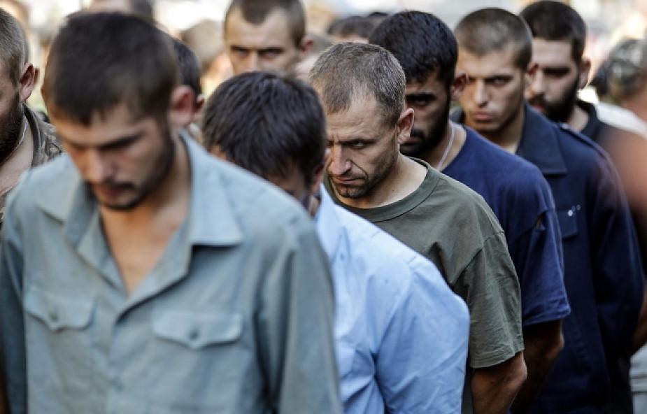 Separatyści urządzili paradę ukraińskich jeńców