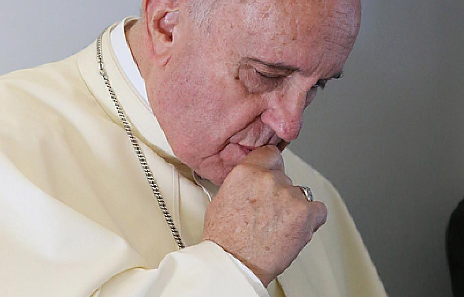 Franciszek oburzony likwidacją slumsów