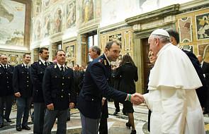 Papieskie spotkanie z włoskimi policjantami