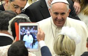 """Papież: """"Media muszą sprzyjać komunikacji"""""""