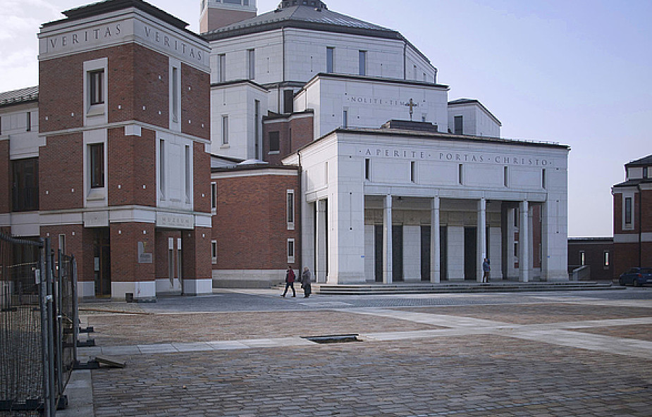 Sanktuarium JPII - świątynia, która pobudza wiarę