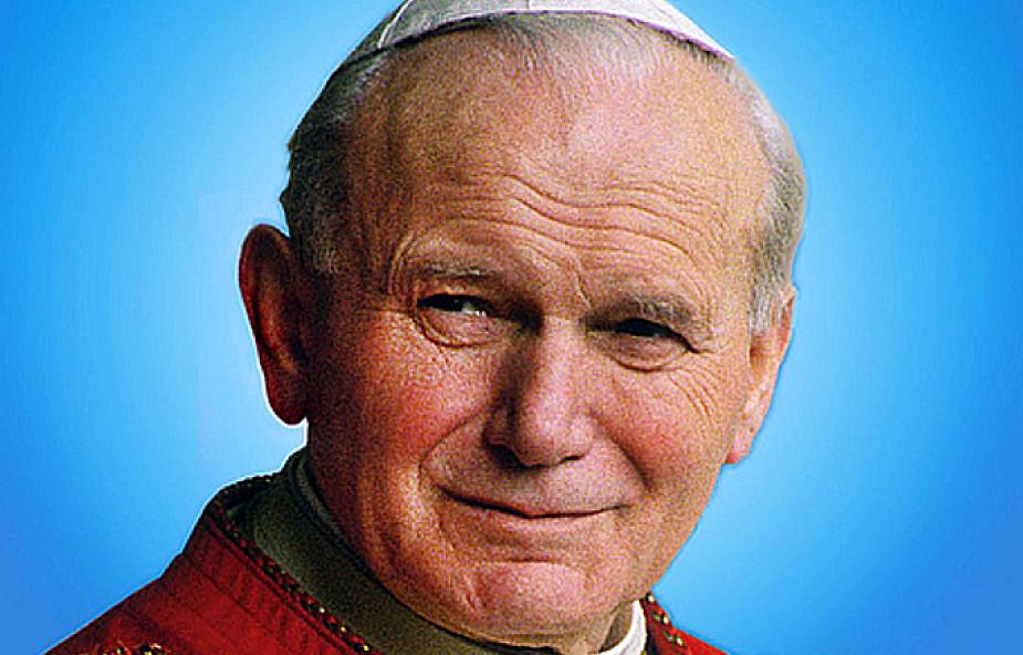 Papież prosi Polaków o modlitwę za rodziny i Synod