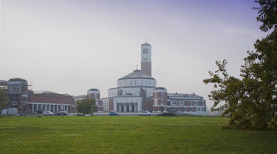 Sanktuarium JPII - świątynia, która pobudza wiarę - zdjęcie w treści artykułu
