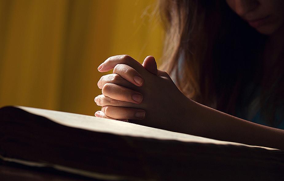 10 prostych sposobów na lepszą modlitwę