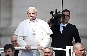 """Dlaczego """"Rzeczpospolita"""" publikuje bzdury o Papieżu?"""