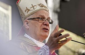 Abp Michalik: Msza święta najważniejsza dla zmarłych
