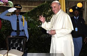 Ks. Lombardi: Papież mówi do całej Afryki