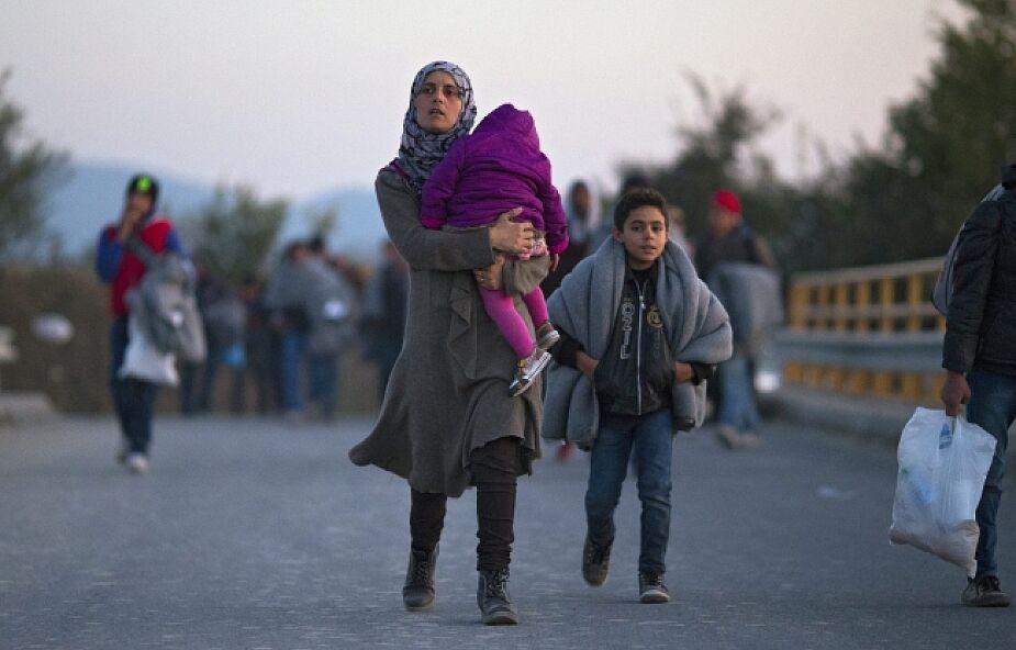 Francja i Hiszpania przyjmują pierwszych uchodźców