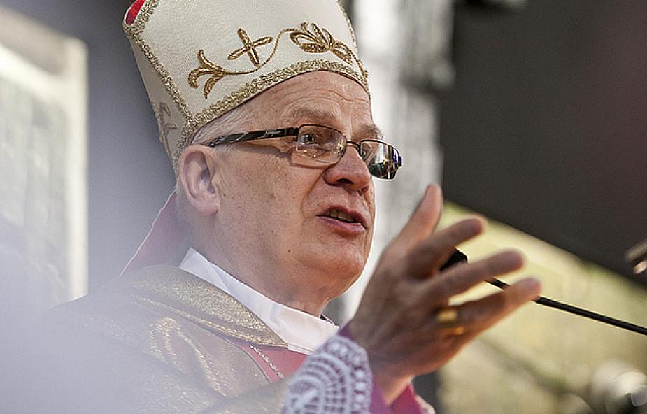 Abp Michalik: bardziej zaufać Bogu, niż skarbonce