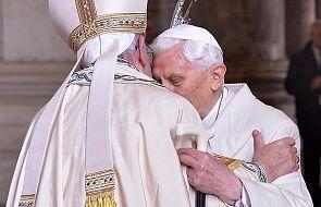 Zdjęcie papieży, które było problemem dla wielu