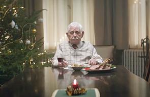 Zobacz, co zrobił ten staruszek, by spędzić święta z rodziną [WIDEO]